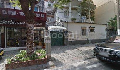 Cho thuê nhà ngay sát mặt phố Hàng Chuối