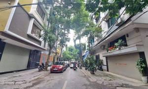 Bán nhà phân lô Lê Trọng Tấn, kinh doanh, cách phố 20m, gara ô tô