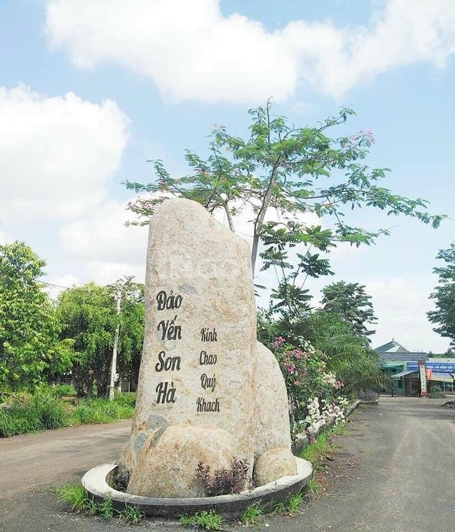 Cần ra gấp lô đất mặt tiền 23m trung tâm Đồng Phú
