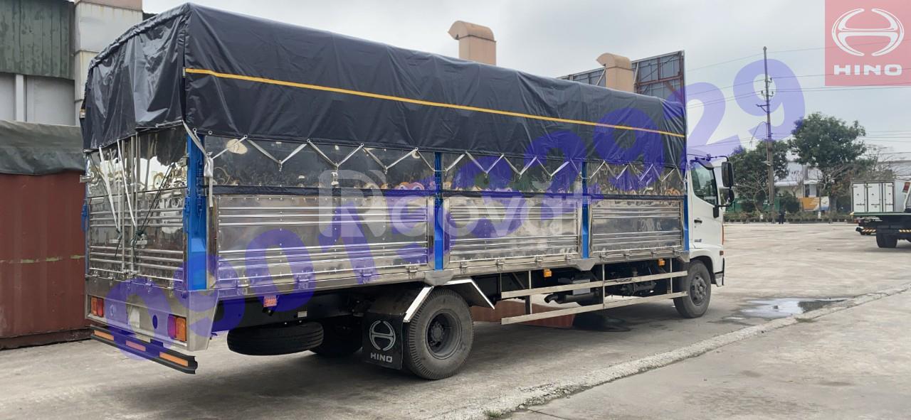 Xe tải Hino FC9 JLTC 6 tấn thùng mui bạt đời 2021 có sẵn