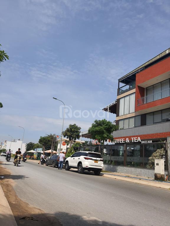 Mở bán 15 nền đất và 3 lô góc đối diện bệnh viện Chợ Rẫy 2