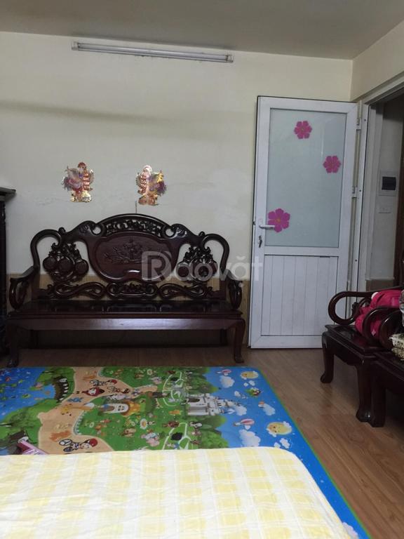 Cho thuê nhà tập thể tầng 1 khu Nam Đồng