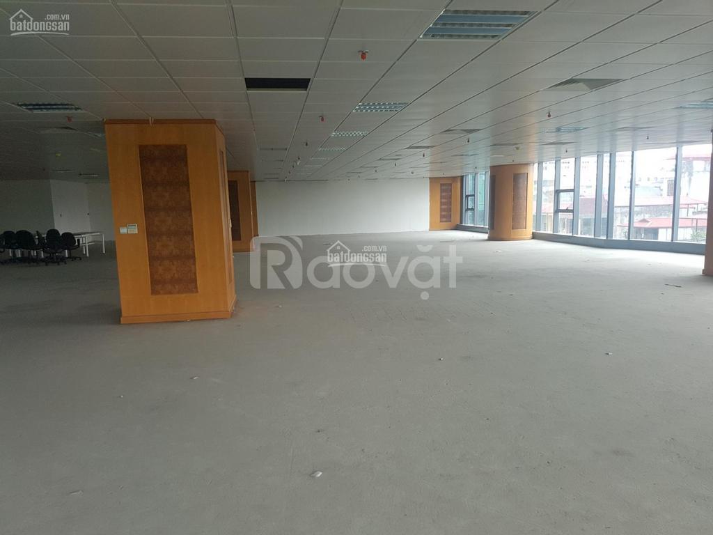 Cho thuê văn phòng 800m2 Văn Cao, Đội Cấn giá rẻ
