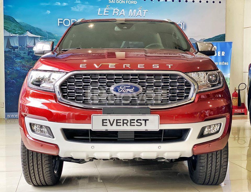 Ford Everest Titanium mới giá giảm sâu lô xe nhập cuối cùng