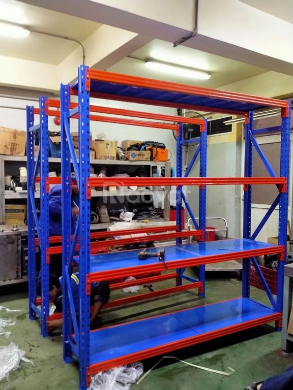 Kệ trung tải để hàng, tải trọng từ 200kg 1 tầng hàng có sẵn ở HCM