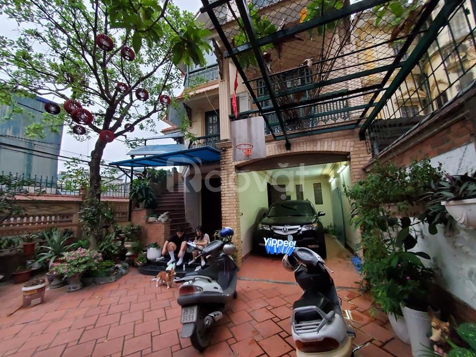 Bán biệt thự sân vườn 215m2 Lạc Long Quân, Tây Hồ