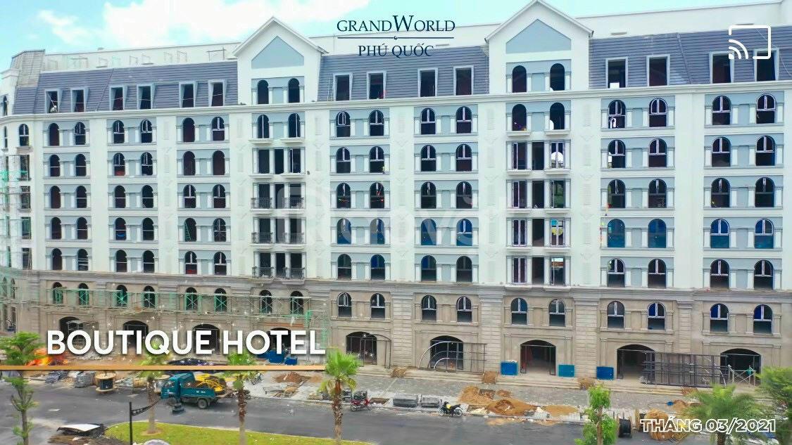 1 căn mini hotel ngay quảng trường