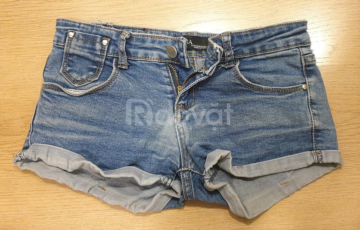 Quần đùi jeans, còn mới, đẹp, đồng giá 100k/cái