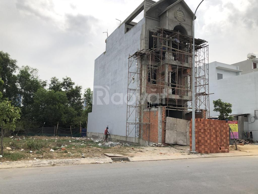 Bán lô góc Bình Chánh giá rẻ, DT 168m, sổ hồng riêng
