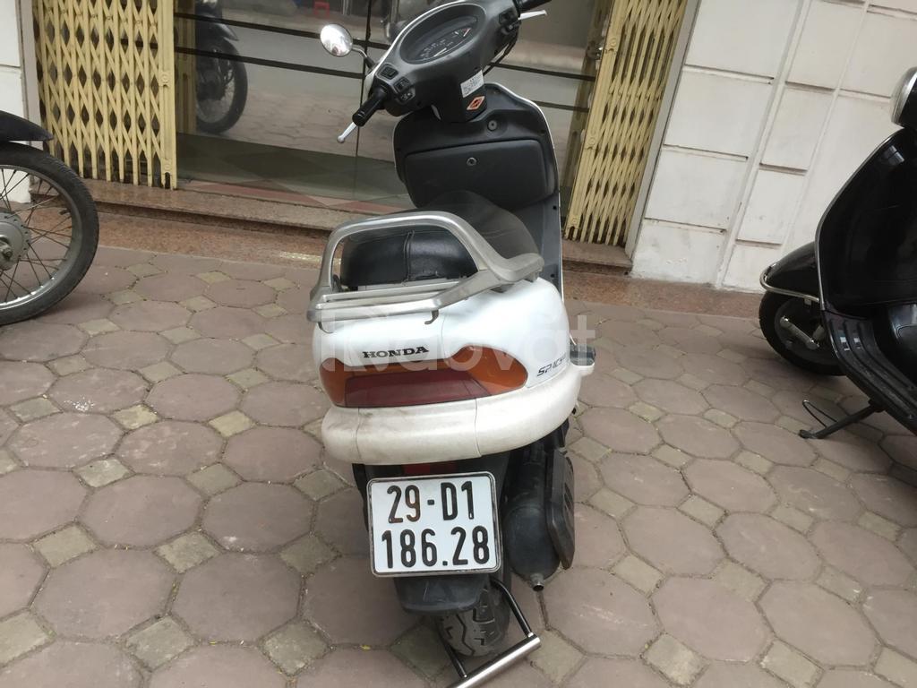 Cần bán xe Honda Spacy 125 Nhật đời 2007 màu trắng, còn mới