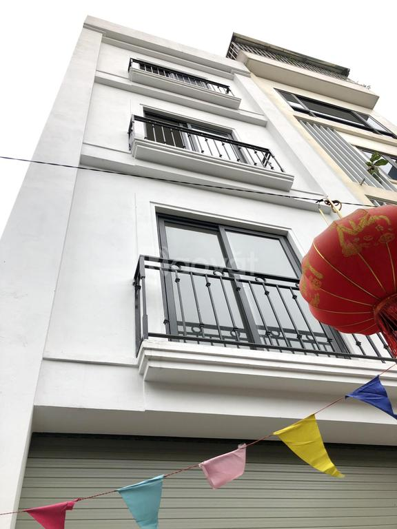 Nhà 30m2, 4.5T xây độc lập thoáng vĩnh viễn ôtô đỗ cửa, Hà Đông