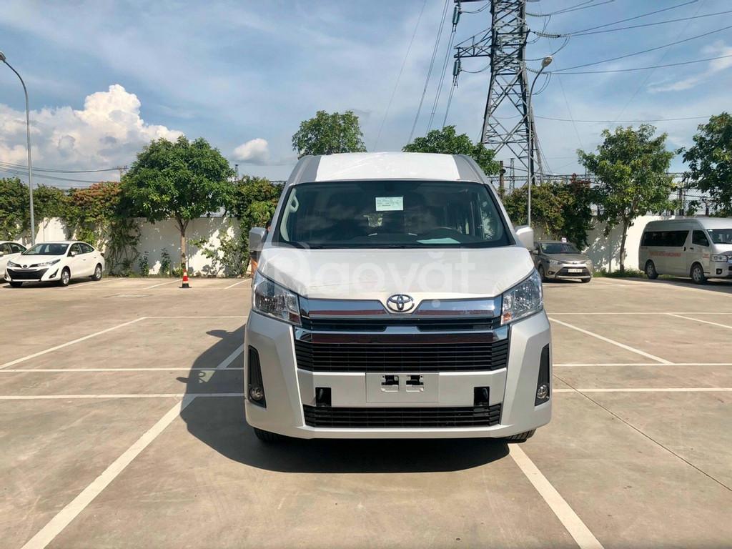 Toyota Hicae Máy Dầu 2021 nhập khẩu Thái, giao ngay màu bạc