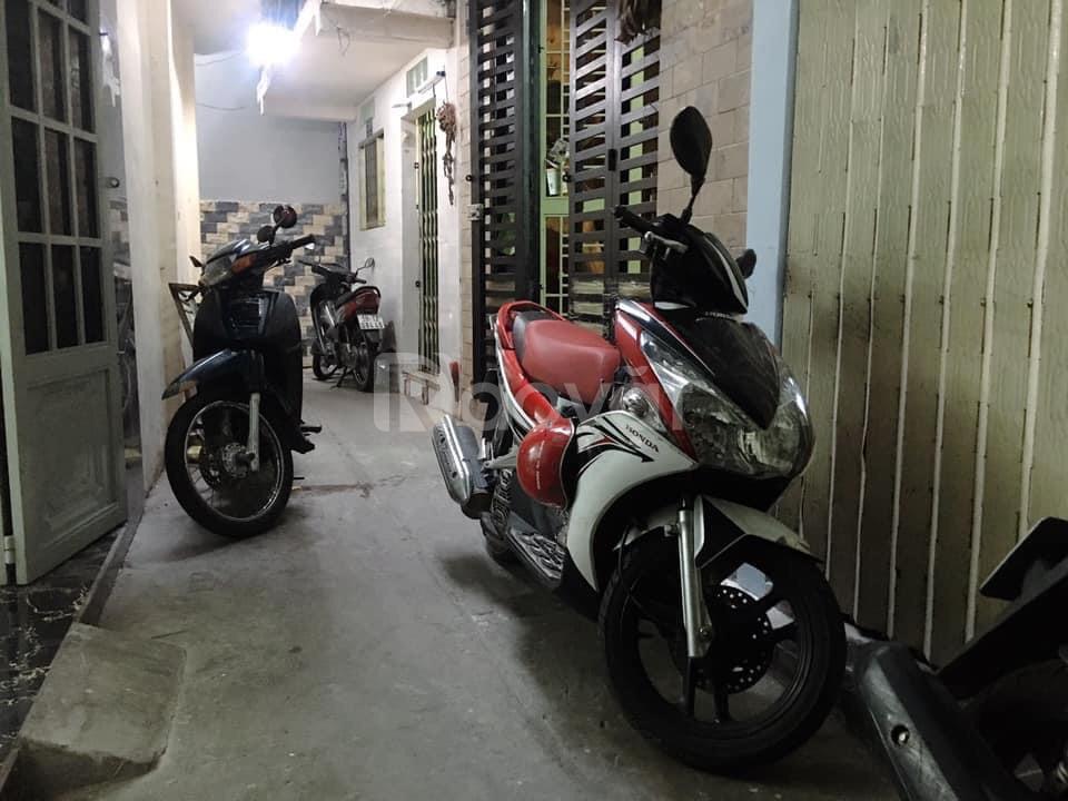 Cần vốn đầu tư, bán nhà Nguyễn Văn Cừ Q1
