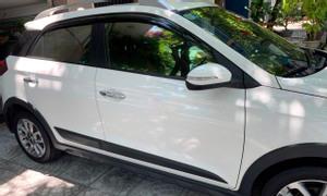 Bán xe Hyundai i20 Active 2015, màu trắng sữa, nhập nguyên chiếc