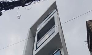 Nhà 5 tầng, full nội thất, đường Quang Trung, DTSD 98m2
