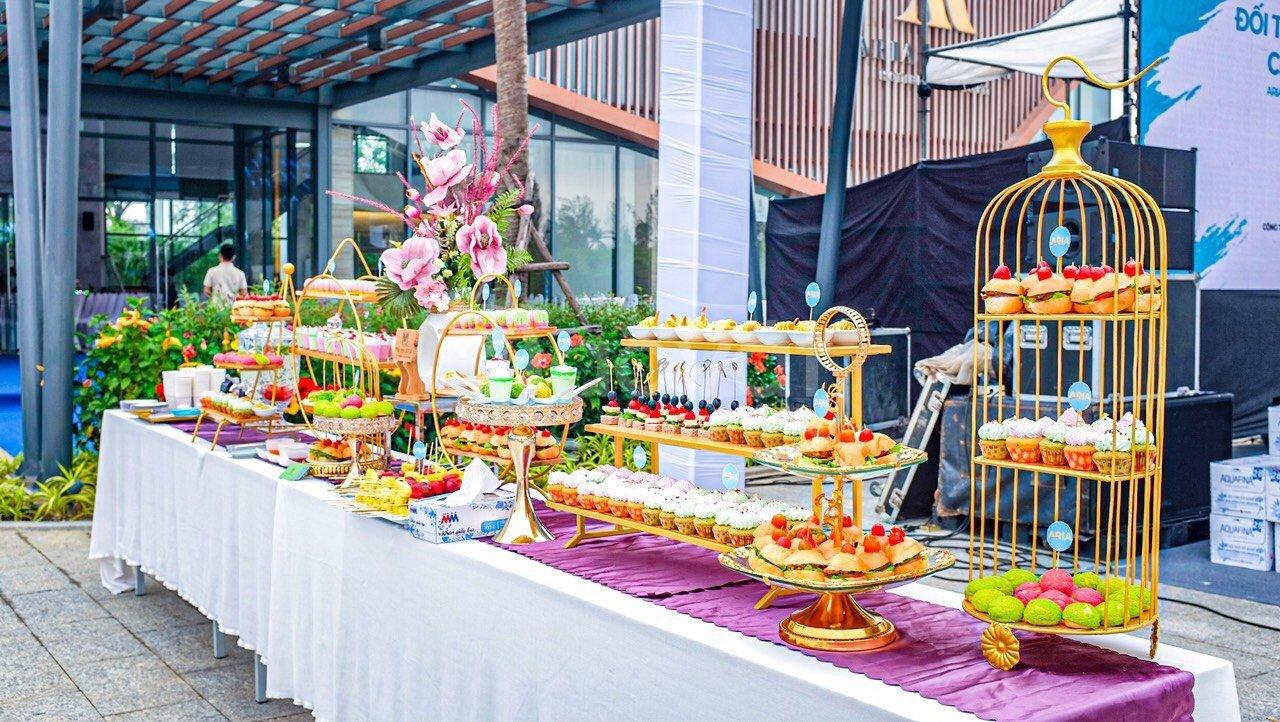 Đặt tiệc bãi biển Đà Nẵng