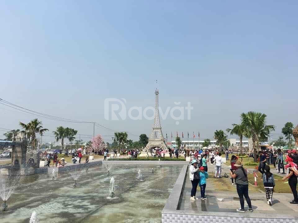 Bán lô đất 100m2 đối diện công viên trong Cát Tường, Phú Sinh