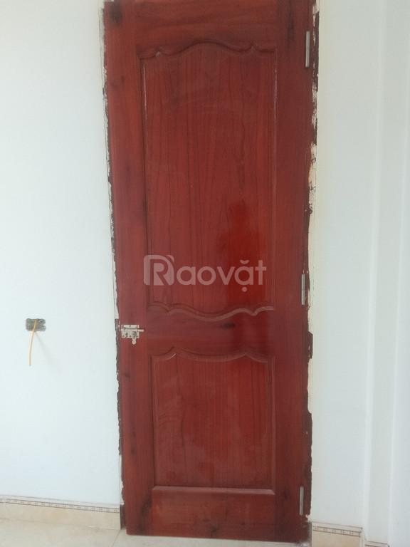 Xưởng sản xuất cửa gỗ tràm bông vàng