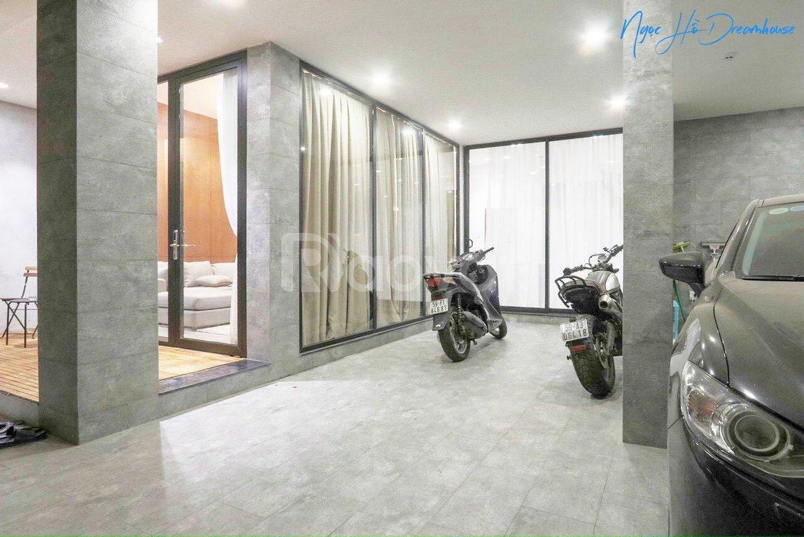 Bán nhà Trần Quang Diệu, Phường 14, Quận 3, DT 8x20m