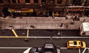 Cần bán máy ảnh Sony siêu zoom 50X full HD 1080p