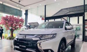 Mitsubishi Outlander CVT 2021 giảm ngay 30tr trả 185tr nhận xe