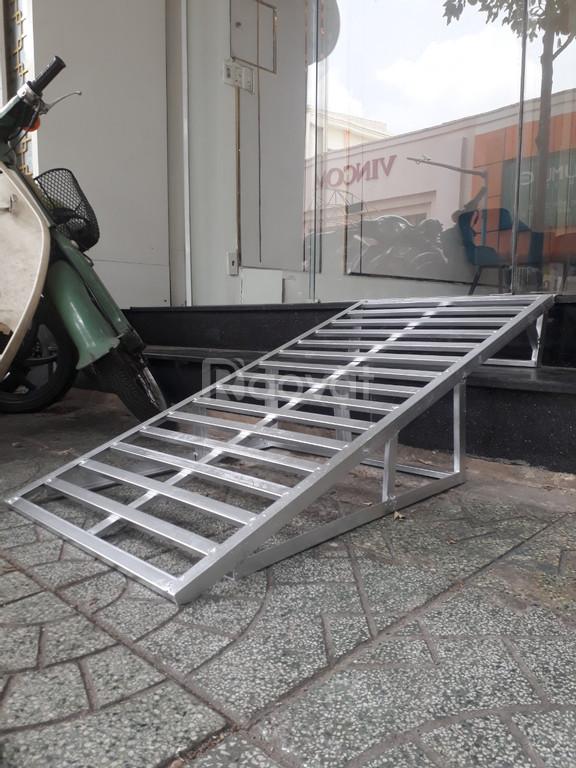 Làm dốc lên xe máy tại nhà TP HCM, cầu sắt dắt xe máy
