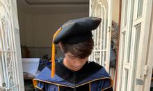 Lễ phục tốt nghiệp, áo cử nhân, áo thạc sĩ, áo tiến sĩ