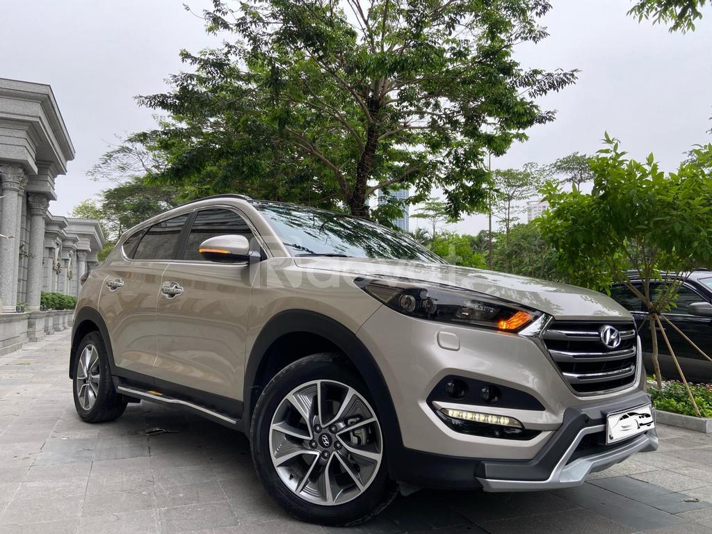 Bán Hyundai Tucson 2.0ATH sản xuất 2019 mới tại Việt Nam