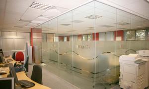 Công ty cung cấp và thi công kính tráng thủy trang trí tại Đồng Nai