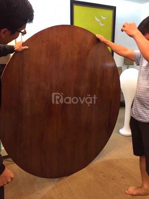 Bàn tròn mặt gỗ tự nhiên ưu việt, bền đẹp
