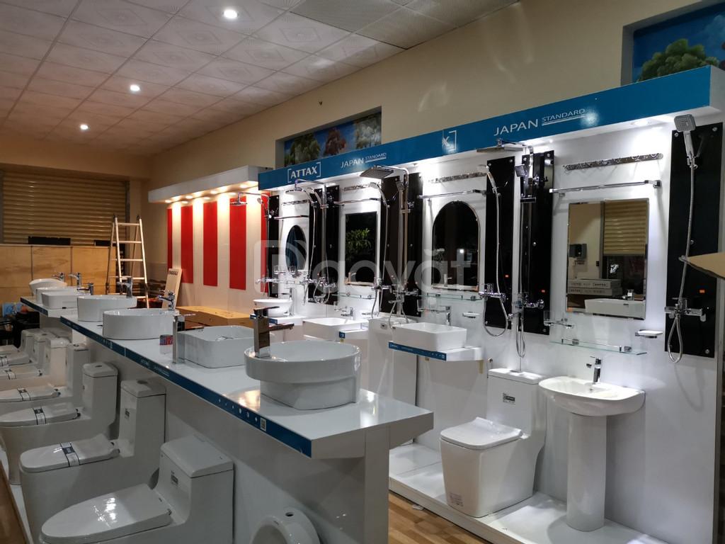 Thiết bị vệ sinh Attax, công nghệ Nhật Bản hỗ trợ kệ trưng bày