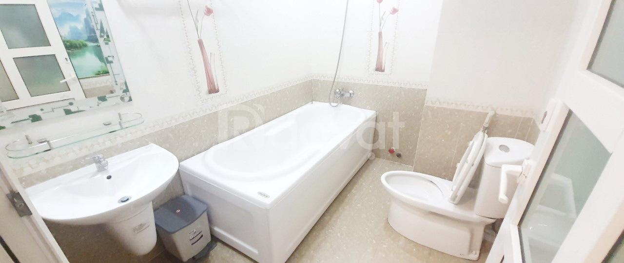 Phòng full nội thất có bồn tắm 71/3 Nguyễn Trãi