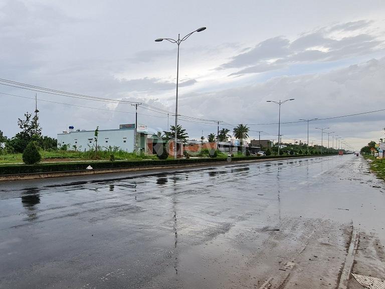 Đất mặt tiền đại lộ Huỳnh Tấn Phát, Bến Tre, 495m2, SHR
