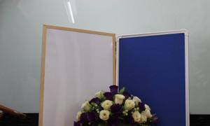 Bảng ghim hai mặt khung gỗ thông tự nhiên KT 60x80cm