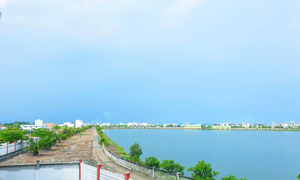 Bán gấp lô biệt thự 9,5x17,5 đối diện hồ sinh thái, KDC Tân Đô