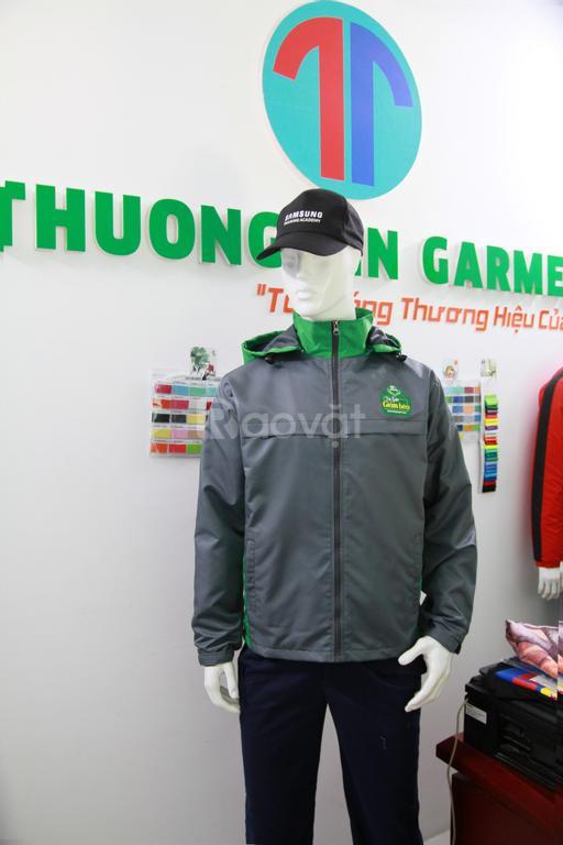 Xưởng may áo khoác dù hai lớp làm đồng phục giá rẻ tại TP HCM