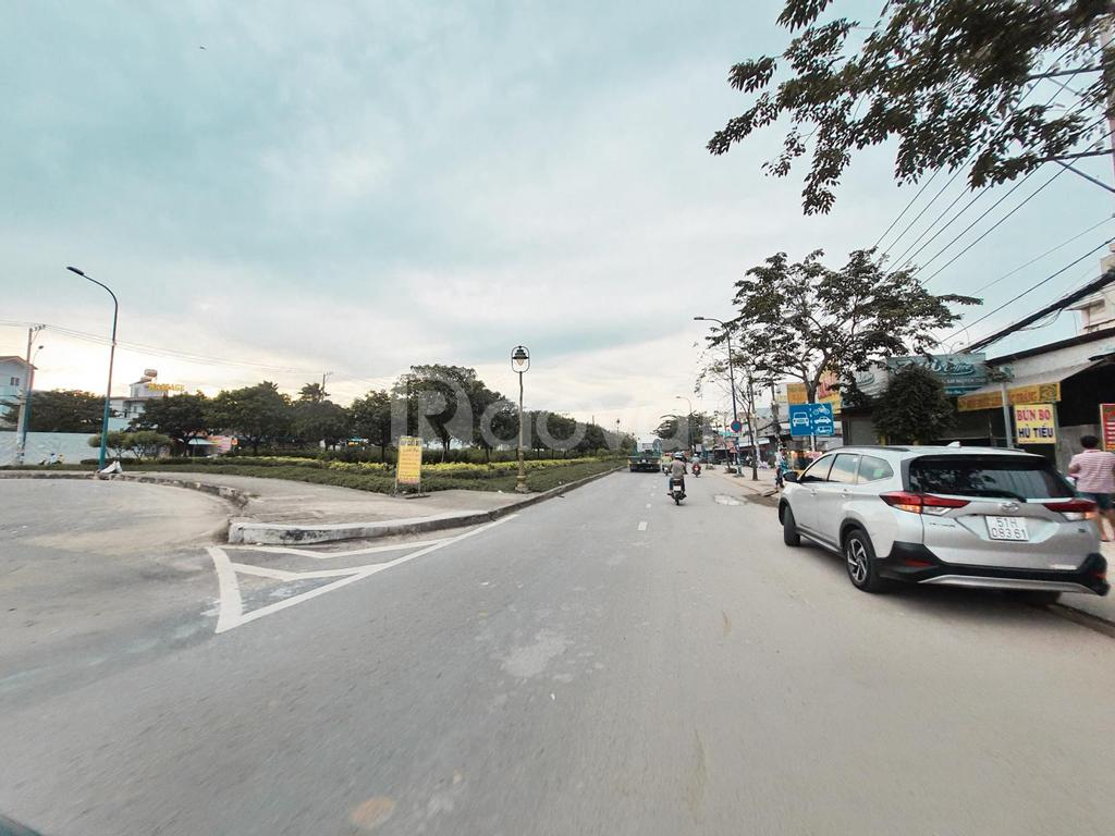Bán gấp 2 nền liền kề diện tích 110m2 khu Phạm Văn Hai, sổ hồng riêng