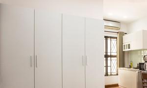 Tủ quần áo 4 cánh, 2 buồng, gỗ trắng, còn mới, đẹp