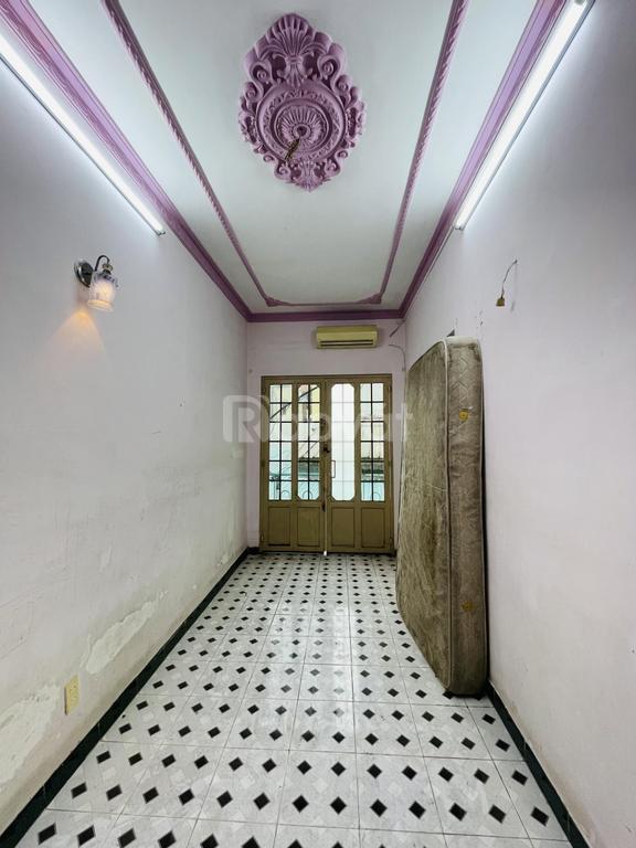 Giá tốt sở hữu nhà 2 tầng Trần Quang Khải, Q1. Nga 0988529259