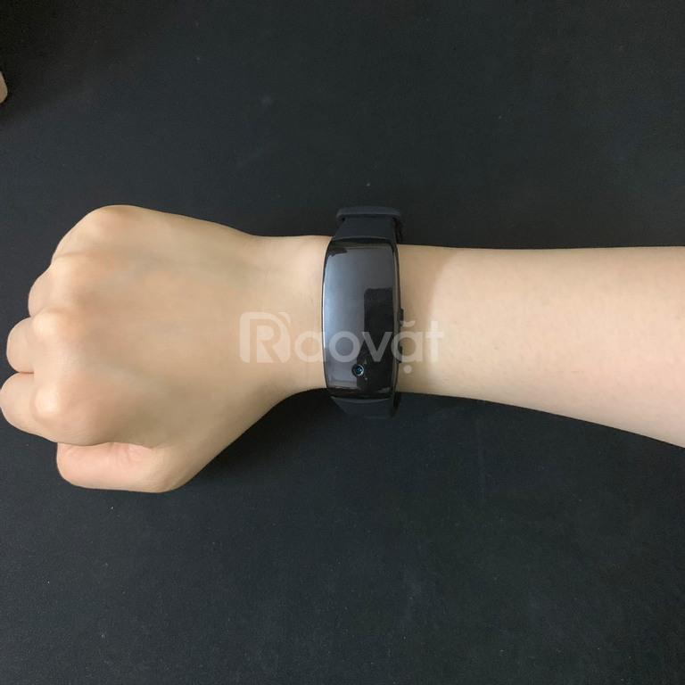Camera đồng hồ đeo tay ghi hình mini