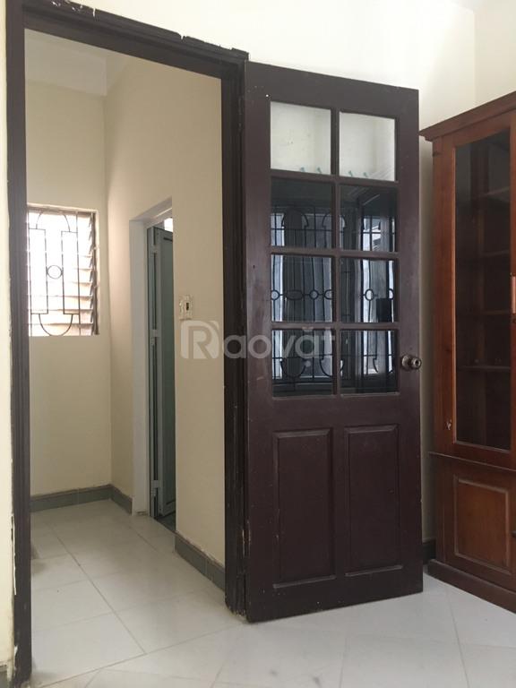 Bán nhà trong ngõ phố Nguyễn Văn Cừ, Long Biên, Hà Nội