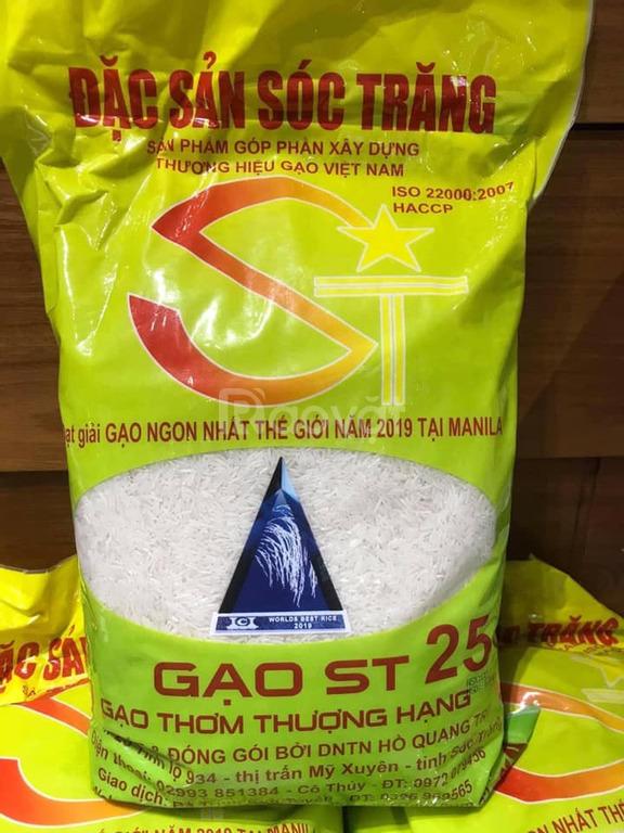 Gạo ST 25 bác Cua cung cấp bởi thương hiệu Ruộng Nhà Mình tại Hà Nội