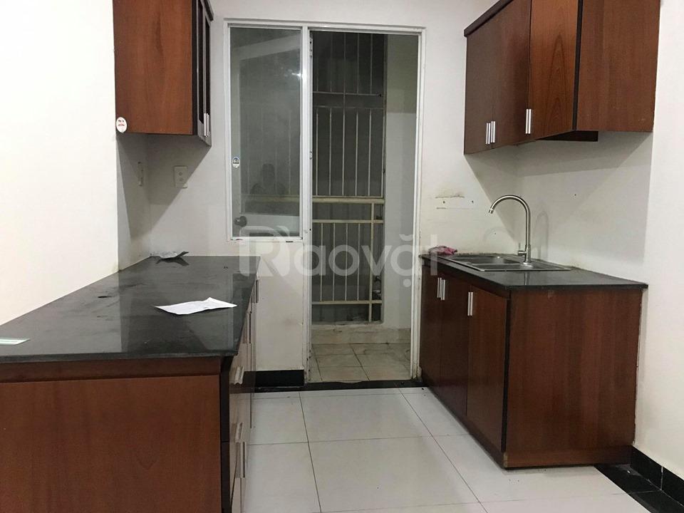 Cần bán gấp căn hộ Giai Việt đường Tạ Quang Bửu Q8, DT 82m2, 2 phòng