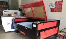 Máy cắt vải laser khổ 1610 tại CNC Bảo Long