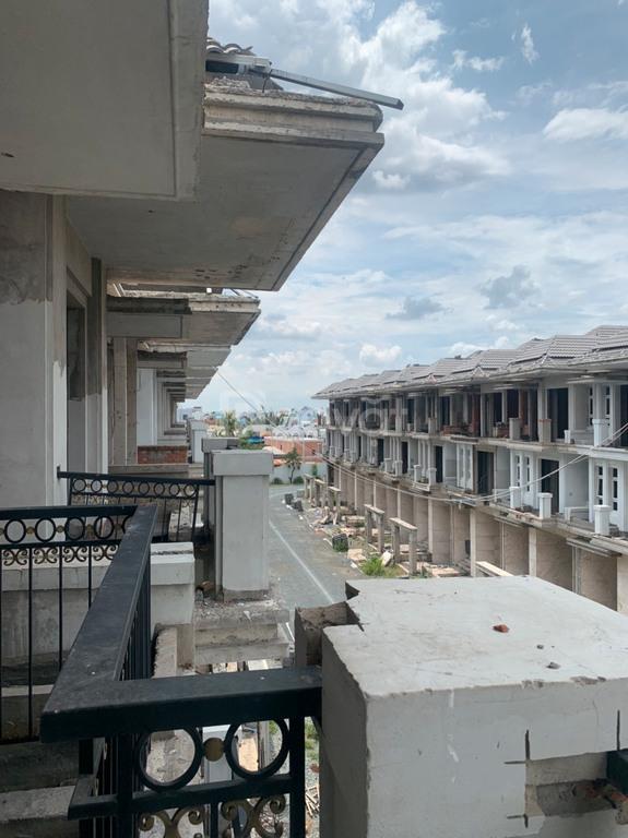 Bán biệt thự compound 3 tầng Quận 7 LH 0902775855