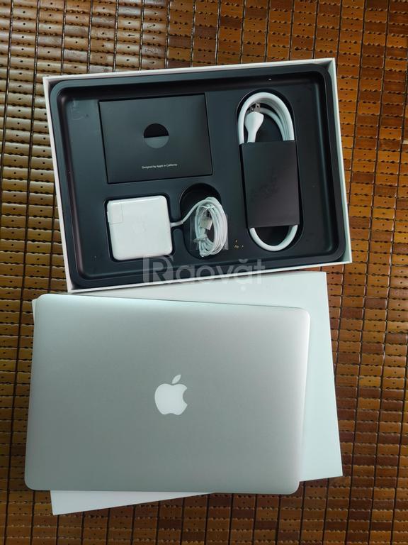 Macbook Pro 2015 i5 Ram 8G, 13Inch 256G full box