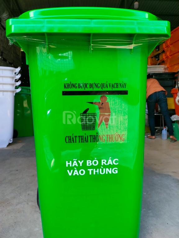 Thùng đựng rác y tế 120L tại các bệnh viện