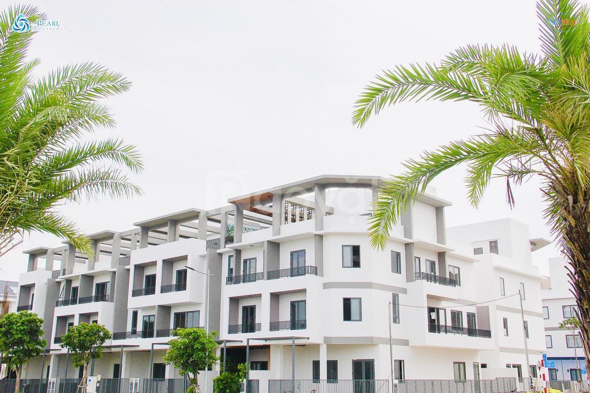 Nhà phố ven sông 1 trệt, 2 lầu, sân thượng, sổ hồng