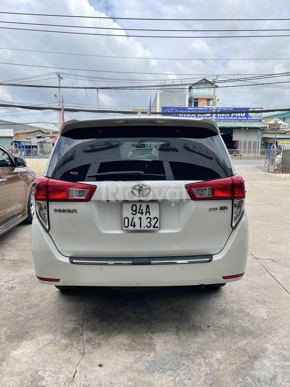 Bán xe Toyota Innova 2.0V, đời 2019, màu trắng