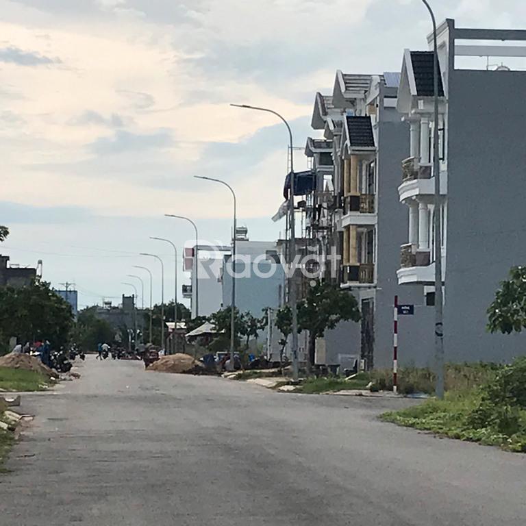 Đất xây dựng tự do 85m sổ hồng riêng gần AEON Bình Tân